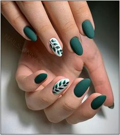 21 Charming And Sexy Winter Green Nails Acrylic: Don't Miss. – These creative winter nail designs are versatile and on-trend. – 21 Charming And Sexy Winter Green Nails Acrylic: Don't Miss. – These creative winter nail designs are versatile and on-trend. Green Nail Designs, Fall Nail Designs, Pretty Nail Designs, Simple Nail Designs, Gradient Nails, Matte Nails, Winter Nails, Autumn Nails, Summer Nails
