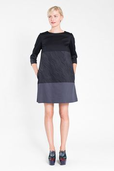 Apparel: Marimekko Gedda dress in navy, brigh blue | Marimekko Store