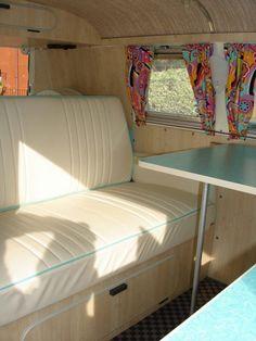 Vintage Bus Camper Interior Ideas - Go Travels Plan Vintage Campers Trailers, Vintage Caravans, Camper Trailers, Camper Caravan, Camper Van, Interior Kombi, Vw Camping, Glamping, Eriba Puck
