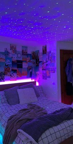 Neon Bedroom, Room Design Bedroom, Room Ideas Bedroom, Teen Room Decor, Bedroom Decor, Bedroom Inspo, Bedroom Inspiration, Wall Decor, Chill Room