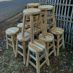 Kursi cafe yang murah dan berkulitas. Terbuat dari bahan kayu jati menengah. Tetapi disini kami menyediakan berbagai kualitas sesuai dengan permintaan konsumen Untuk memesan kursi ini silahkan hubungi: ⤵owner: ali widiyanto ⤵WA: 085291263333 ⤵bbm: d55ded3c ⤵showroom: desa dukuh sendang rt 27 rw 8 mantingan jepara Terimakasih Hati-hati penipuan