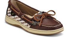 I saw these being worn with jeans while I was out today and they were CUTE.  Sperry Angelfish.