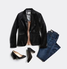 Love this velvet blazer! The material is oh so chic and color will go with anything. And yes, I took the quiz and this is what holiday outfit I am. I can make any outfit glam and chic with this blazer! Stitch Fix Fall, Stitch Fit, Black Velvet Blazer, Velvet Jacket, Holiday Fashion, Holiday Outfits, Holiday Clothes, Spring Clothes, Holiday Style