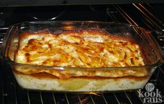 Is it Scalloped or Au Gratin Potatoes? Vegetable Side Dishes, Side Dishes Easy, Salmon Pie, Potato Kugel, Italian Potatoes, Humble Potato, Musaka, Queso Manchego, Scalloped Potato Recipes