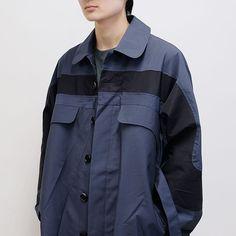 Fashion Images, Fashion Details, Belted Coat, Yohji Yamamoto, Jacket Style, Street Wear, Raincoat, Menswear, Mens Fashion