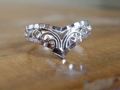 VINTAGE Filagree Point Sterling Silver Ring Size 5 / by EmeraldCut, $33.00
