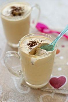 Gelato al caffè veloce senza gelatiera Italian Desserts, Italian Recipes, My Favorite Food, Favorite Recipes, Mocha Cake, White Chocolate Mousse, Chocolate Sorbet, Sugar Cravings, Frozen Desserts