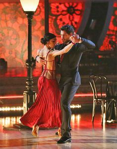 Maks Chmerkovskiy & Meryl Davis danced the   -  Dancing With the Stars  -  Week 10 finale  -  Season 18  -  Spring 2014