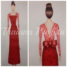 Vestido vermelho de renda com decote nas costas
