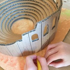 Craft / Building A Roman Amphitheatre – Clara and Macy School Projects, Projects For Kids, Romans For Kids, Rome History, European History, Art History, American History, Romans Ks2, Greek Crafts