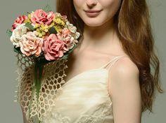 Rose rose Ivoire musique feuille Roses  Bouquet par CeeBeeRecycle