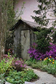 Even an outhouse can look pretty when landscaping is done well. Outdoor Baths, Outdoor Bathrooms, Outhouse Bathroom, Potting Sheds, Country Scenes, Shed Design, Old Farm, Garden Structures, Old Buildings
