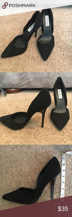 Steve Madden varcitty pointy toe pumps These velvet black pumps are in perfect condition. Only worn once and with a 4in heel height. Steve Madden Shoes Heels