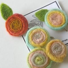 how to felt wool flowers ---cute!