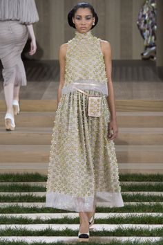 Chanel Spring 2016 Couture Collection Photos - Vogue