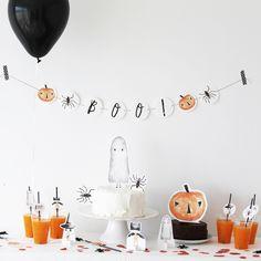 Halloween Chique, Modern Halloween Decor, Halloween Inspo, Diy Halloween Decorations, Holidays Halloween, Spooky Halloween, Halloween Gender Reveal, Halloween First Birthday, Cake Toppers