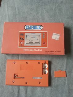http://www.ebay.es/itm/Climber-Nintendo-Game-and-Watch-1988-MINT-COMPLETE-IN-BOX-/161690406090?pt=LH_DefaultDomain_2