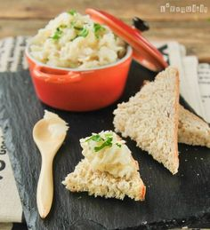 Cod brandade delicious on toast. (in Spanish) Seafood Recipes, Cooking Recipes, Healthy Recipes, Healthy Food, Great Recipes, Favorite Recipes, Fish And Seafood, Risotto, Cravings