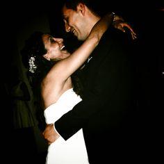 Inaugurando el baile / Opening the dancing #boda #baile #celebracion #novios #momentos #banquete #sonrisas #dance #wedding #moments