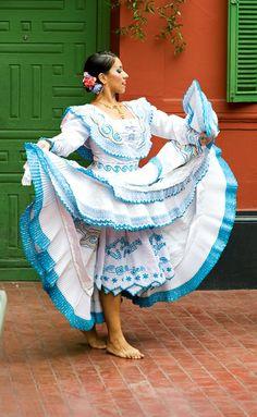 TRAJES TIPICOS DEL PERU Traditional Peruvian Dresses: La Marinera Norteña