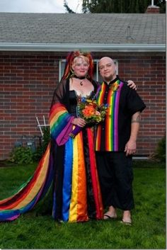 Rainbow wedding couples: they look so happy, I fall in love just looking at them together; you just know they adore each other. Wedding Fail, Crazy Wedding, Wedding Humor, Wedding Looks, Dream Wedding, Wedding Ideas, Elvis Wedding, Wedding Couples, Weird Wedding Dress