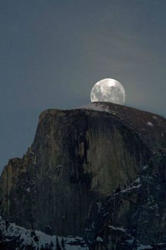 Full Moon Rising - Yosemite National Park by Bud Walley on 500px.