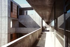 Louis Kahn | Instituto Salk de Estudios Biomedicos | La Joya; California | 1959-1964