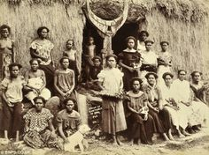 Indigenous women of Fiji in the early 1900s. The differences in their traditional clothing note their social standing.