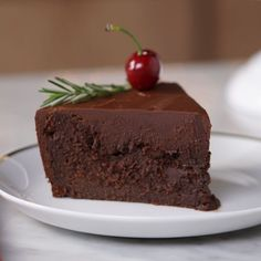 Chocoholics will go choco-nuts for this obscenely chocolatey chocolate torte. Chocolate Low Carb, Chocolate Cream, Chocolate Torte Cake, Chocolates, Sweet Recipes, Cake Recipes, Cooking Tv, Cake Cover, Rice Krispie Treats