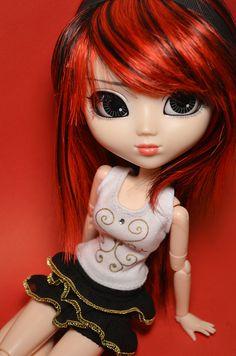 Pullip Rida w/ a cool red n black wig.