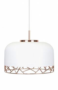 Decco taklampe laget i grafisk matthvit kopp av metall, med kontraster i blankt kobbernett. Hvit tekstilkabel.Diameter: 42 cmHøyde: 26 cmSokkel: E27MAX 60WAnbefalt lyskilde: Design: Patrick Hall