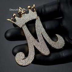 Diamond Stone, Round Cut Diamond, Rapper Jewelry, Estilo Madison Beer, Stylish Letters, Letter Pendants, Cute Jewelry, Men's Jewelry, Jewelery