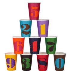 PARTY Pappbecher    Jeder Partyspaß fängt mit einer gut gelaunten Deko an - und diese Party-Pappbecher sind für vergnügte Geburtstagsfeiern auf jeden Fall zu haben. Passende Pappteller erhältlich.    Größe: Breite 9 x Tiefe 9 x Höhe 11,50 cm, Füllmenge: 300 ml, 10 Stück  Material: Pappe  RAKUTEN_TITEL: Trinkbecher Partybecher Becher...