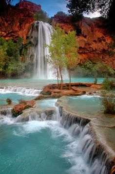 Waterfalls  Lakes Plitvice, Croatia (National Park) Is among the 20 most beautiful lakes in the world to 17th place.