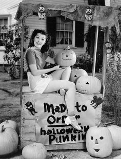 The best of Chronically Vintage's past Halloween posts