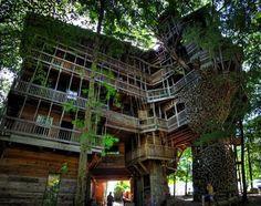 Epic treehouse in Crossville, TN