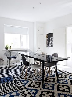 Palermo rug by Spanish label Gandia Blasco and Ikea Stockholm one Palermo, Home Living Room, Living Room Designs, Bertoia, Interior Decorating, Interior Design, Modern Interior, Decorating Ideas, Scandinavian Interior