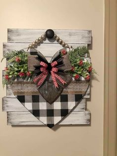 Valentines Day Decorations, Valentine Day Crafts, Holiday Crafts, Christmas Crafts, Xmas, Dollar Tree Decor, Dollar Tree Crafts, Chalk Crafts, Diy Crafts For Home Decor