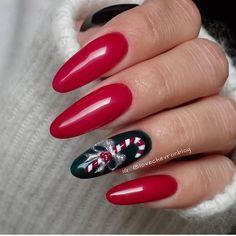 50 Beautiful Stylish and Trendy Nail Art Designs for Christmas Xmas Nails, Holiday Nails, Red Nails, Hair And Nails, Cute Almond Nails, Almond Nail Art, Christmas Nail Designs, Christmas Nail Art, Gelish Nails