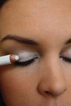 32 Makeup Tips That Nobody Told You About ~ Cover your eyelids with white a eye liner pencil before applying shadow to really make the color pop.