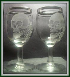 Skull with roses wine glass set of 2 Hand by GlassGoddessNgraving Gothic Kitchen, Kitchen Witch, Wine Glass Set, Mason Jar Wine Glass, Modern Industrial Decor, Skulls And Roses, Gothic House, Memento Mori, Retro