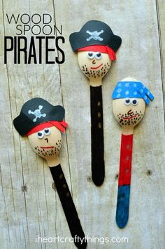 Pirate Craft for Kids Ahoy, Mateys! Do you have pirate fans at your house? If you do they are going to love making this awesome Pirate Craft that we are sharing with you today.Pirate King Pirate King or Covemaster may refer to: Spring Crafts For Kids, Holiday Crafts For Kids, Summer Crafts, Wooden Spoon Crafts, Wood Spoon, Plastic Spoon Crafts, Plastic Spoons, Wood Crafts, Paper Crafts