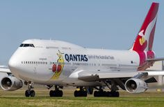 Qantas Boeing 747-438 (registered VH-OJU)