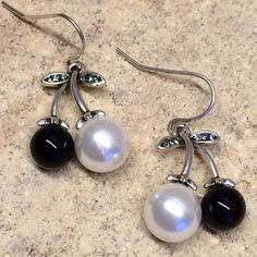 Delicates Black & White Silver Drop Earrings Delicate Design / Swarovski Zirconia & Crystals Pearls Black & White Victoria Perez Collection Jewelry Earrings