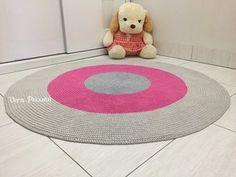 Tapete cinza e rosa redondo - Baby Beatriz