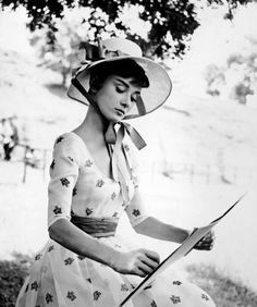 Audrey Hepburn | War & Peace production still | 1955 | Copyright © Paramount Pictures | Adaptated in Advance 8125 pattern maybe