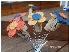 more cork projects Wine Craft, Wine Cork Crafts, Wine Bottle Crafts, Wine Bottles, Crafts To Sell, Fun Crafts, Arts And Crafts, Wine Cork Projects, Craft Projects