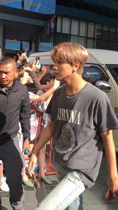 why's he walking like a sim? J Pop, Nct 127, Winwin, Taeyong, Jaehyun, Hip Hop, Johnny Seo, Na Jaemin, Boyfriend Material