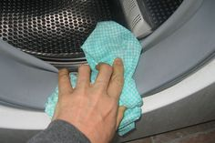 3 Simple Steps to Clean Your Washing Machine. Use these steps to learn how to clean a washing machine so the grimy buildup doesn't sneak its way onto your clean laundry. Smelly Washing Machines, Clean Your Washing Machine, Household Cleaning Tips, Cleaning Hacks, Front Load Washer, Laundry Hacks, Homekeeping, Natural Cleaning Products, Cleaning Solutions
