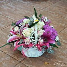 Koшница с рози и лилиум